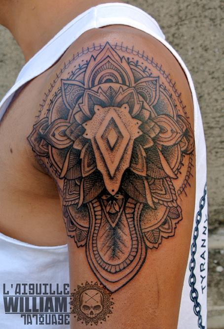 L 39 aiguille tattoo inkin - Tatouage mandala epaule ...
