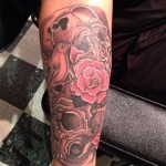 inKin-tatouage-oiseau-crane-rose-bras-FUNNY SKIN TATTOO.jpg