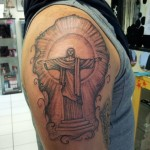 inkin - tatouage christ sur l'épaule - Legend Tattoo.jpg
