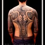 inkin - tatouage maori dans le dos - manao tiki.jpg
