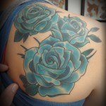 inkin-tatouage-roses-dos-deluxe-tattoo-studio-generaliste.jpg