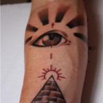 inkin - tatouage oeil graphique sur bras - big daddy's tattoo.jpg