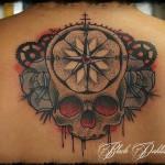 inKin-tatouage-crane-rose-des-vents-dos-INK YOUR MEAT.jpg
