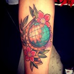 inkin - tatouage mapmonde sur le bras - more than ink tatouages.jpg