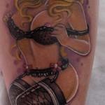 inkin - tatouage pin up sur le mollet - l'encre du peuple.jpg