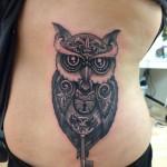 inkin-tatouage-chouette-ventre-dimitri-hk-généraliste.jpg