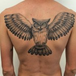 inkin - tatouage hibou sur dos - alessio pariggiano tattoo.jpg