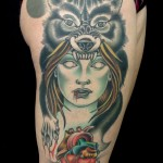 inkin - tatouage femme et coeur gore sur la cuisse - lowbrow tattoo.jpg