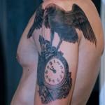 inKin-tatouage-corbeau-horloge-bras-GERALD TATTOO.jpg