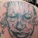 inkin - tatouage masque réaliste sur épaule - cyril's tattoo.JPG