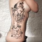 inkin - tatouage fleur cygne sur les côtes - la maison des tanneurs.jpg