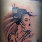 inKin-tatouage-geisha-dos-GENERATION TATTOO AJACCIO.jpg