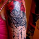 inkin - tatouage dentelle épaule - Kornog.jpg
