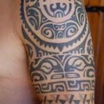 inkin-tatouage-tribal-epaule-ESLA TATTOO-polynesien-maori.JPG