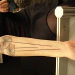inKin-tatouage-pissentlis-geometriques-bras-INK ME TATTOO.jpg