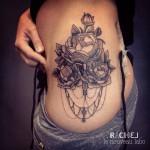 inkin - tatouage fleurs sur les hanches - le nouveau labo.jpg