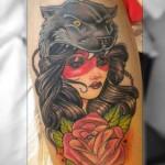 inKin-tatouage-femme-pantere-rose-cuisse-HUGO TATTOO.jpg