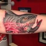 inkin - tatouage requin sur le bras - les martyrs du quai.jpg