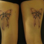 inkin - tatouage noeuds sur cuisses - black white tattoo.jpg