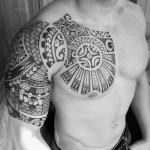 inkin - tatouage pectoral et bras maori - Mana Maori Tatau.jpg