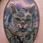 inKin-tatouage-chat-spationaute-couleur-FTC FRENCH TATTOO CONNECTION.jpg