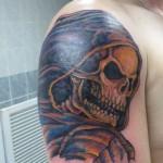 inkin-tatouage-crane-epaule-ETERNAL TATTOO CHAMALIERE-generaliste.jpg