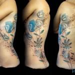 inkin - tatouage fleurs sur côtes - belly button tattoo.jpg