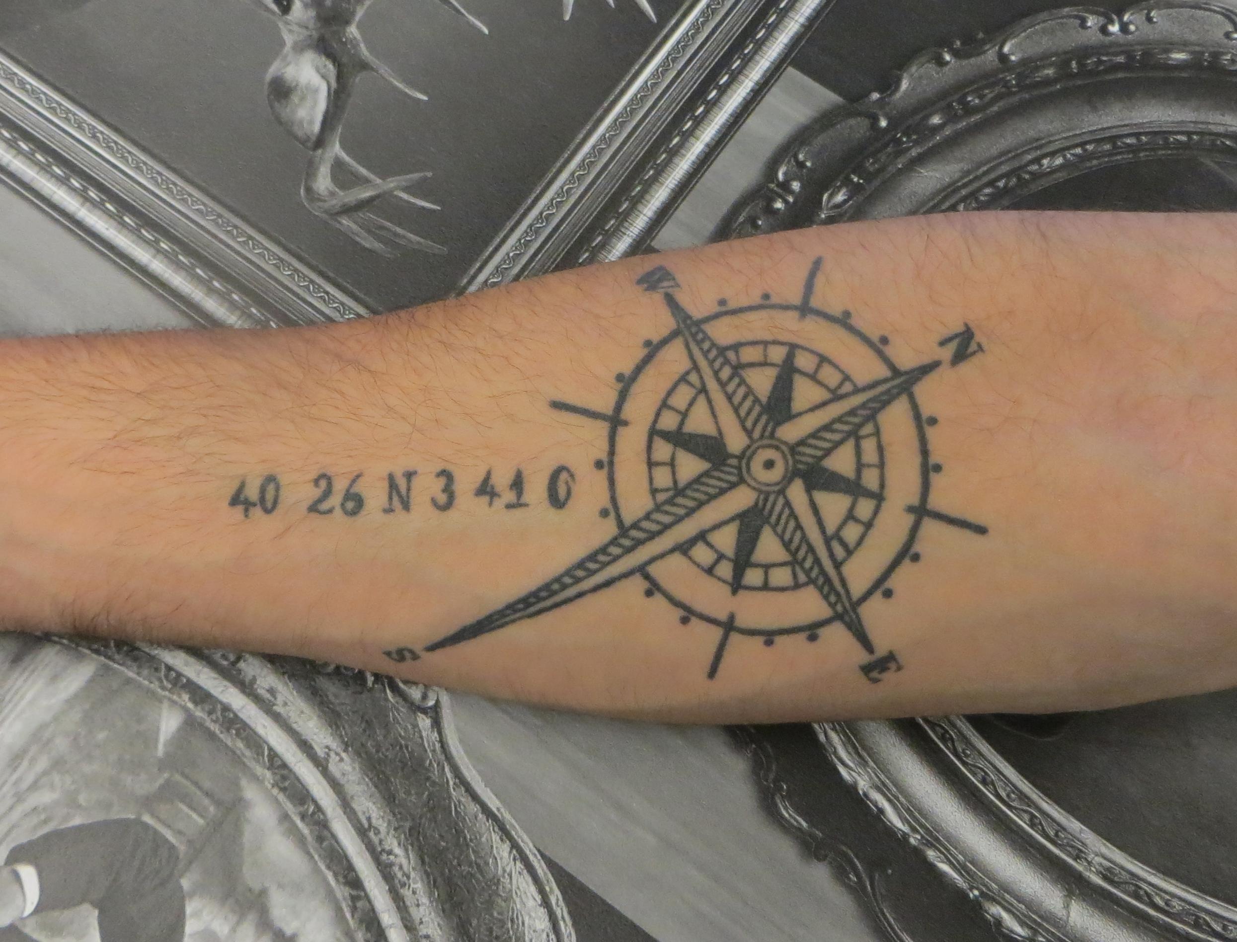 tatouage phrase avec etoile
