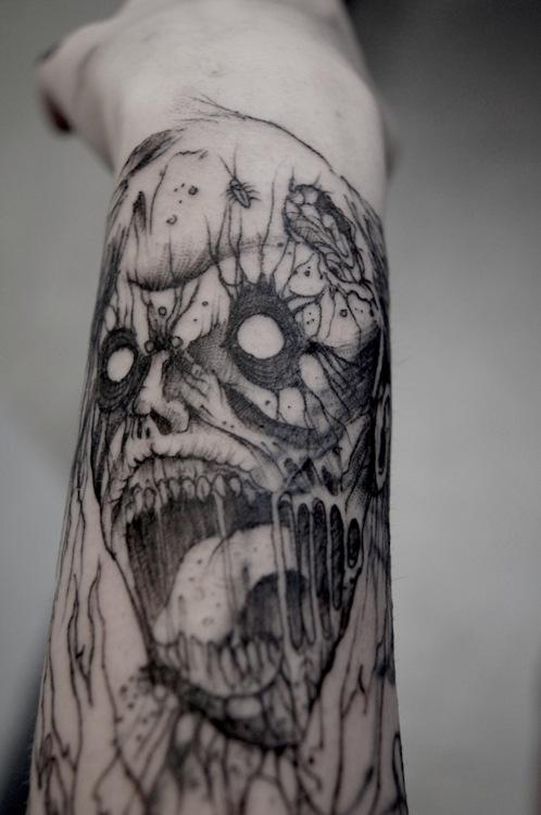 inkin - tatouage zombie sur bras