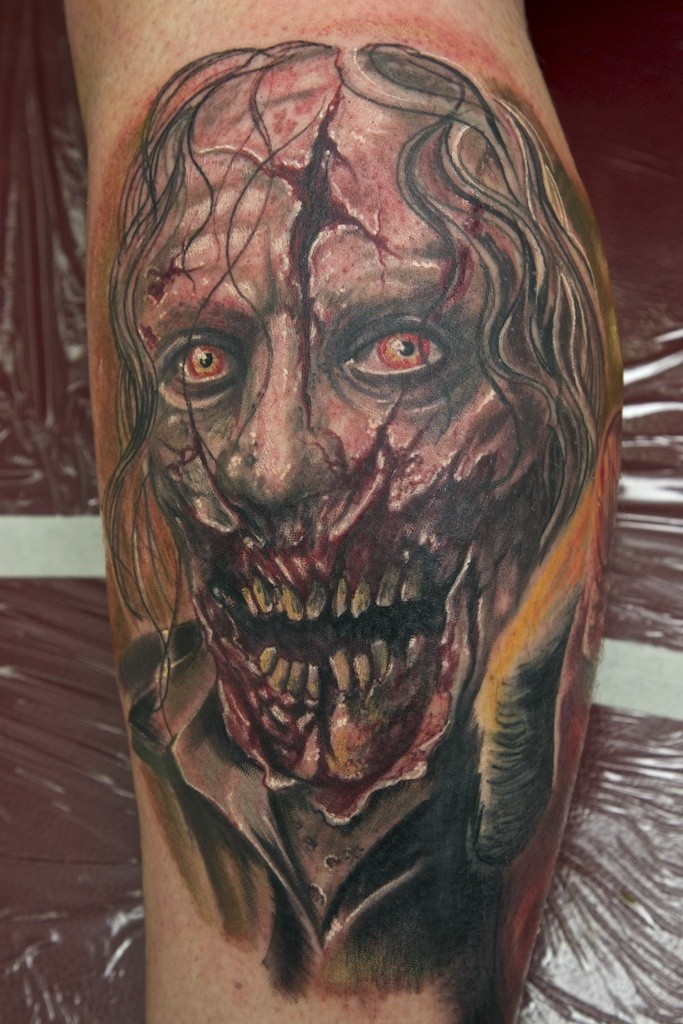 inkin - tatouage zombie sur jambe - graynd
