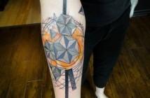 tatouage avant bras graphique par Xoil