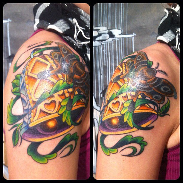 Short-North-Tattoo-J.Brett-Prince-Tattoo-Moth-and-Bell