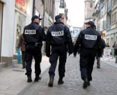 Être tatoué et policier en France ? C'est maintenant possible !